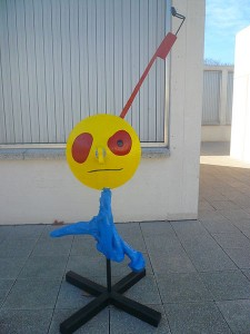 A sculpture at Fundació Miró. Trippy, eh? Photo via Wikimedia, by Pere López.