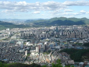 Anyang city from Suri mountain. Photo via Wikimedia Commons by Hyungyong Kim.