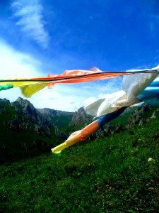 Prayer flags waving proudly in Langmusi