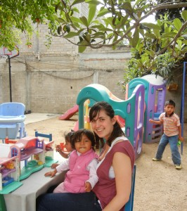 Katie plays with a child at Casa Hogar Hijos de la Luna de Oaxaca. Photo via Katie Boyer.