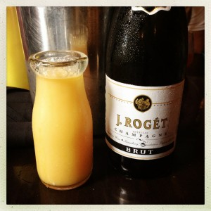 Tableside mimosas? Yes please!