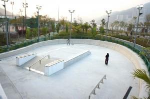 Skateboard arena in the Tsing Yi Northeast Park, Tsing Yi, Hong Kong. Via Wikimedia by Mk2010.